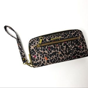 Travelon Zip Around Wristlet Wallet Leopard Print
